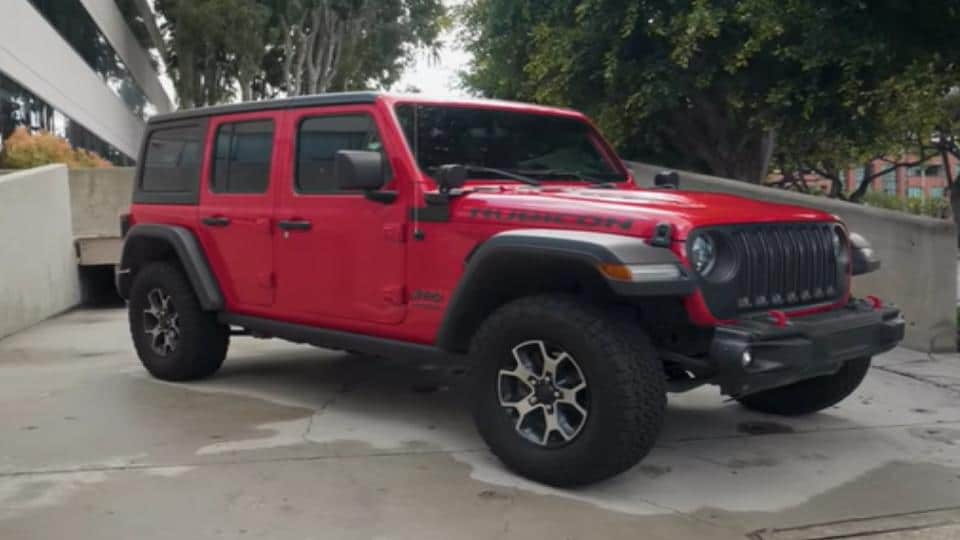 parked jeep wrangler rubicon