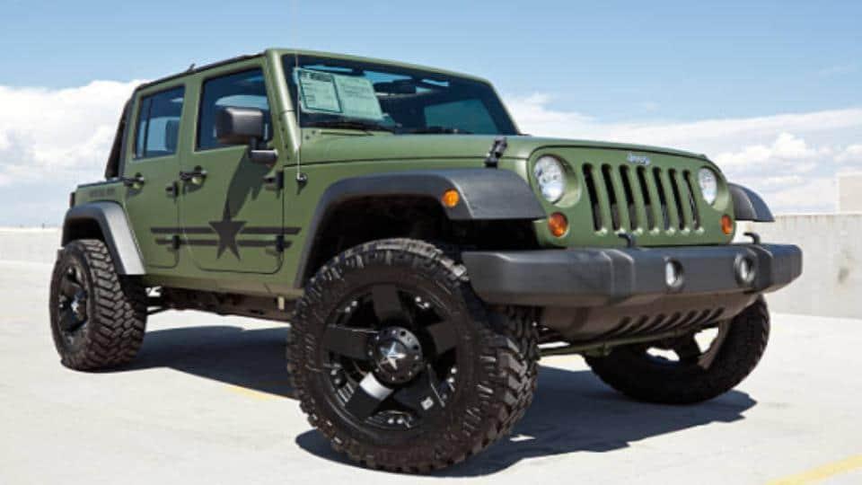 parked jeep wrangler